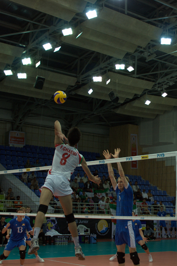 http://arkadash1.persiangig.com/volleyball2009/05.jpg